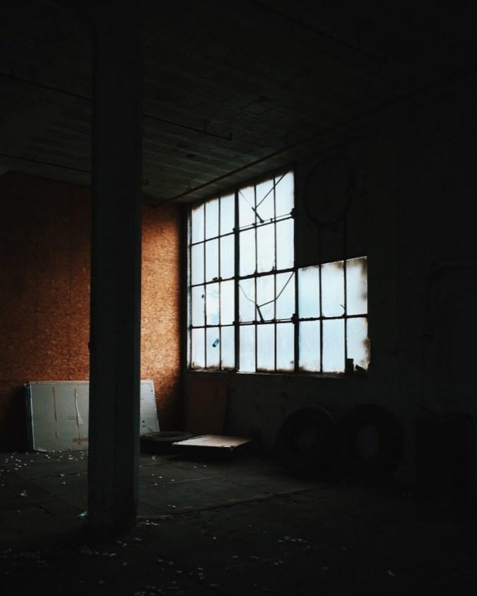davelawrence_abandoned-12