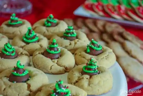 Christmas-Tree-Peanut-Butter-Blossoms-23