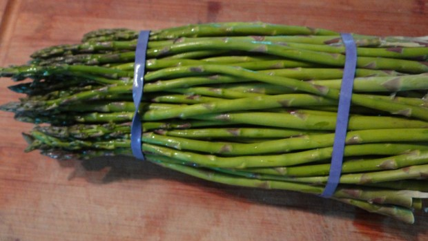 Start with fresh asparagas.  This recipe does not work with canned or even frozen asparagas.