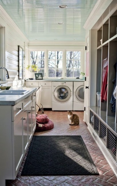 Lockers and mudroom laundry room