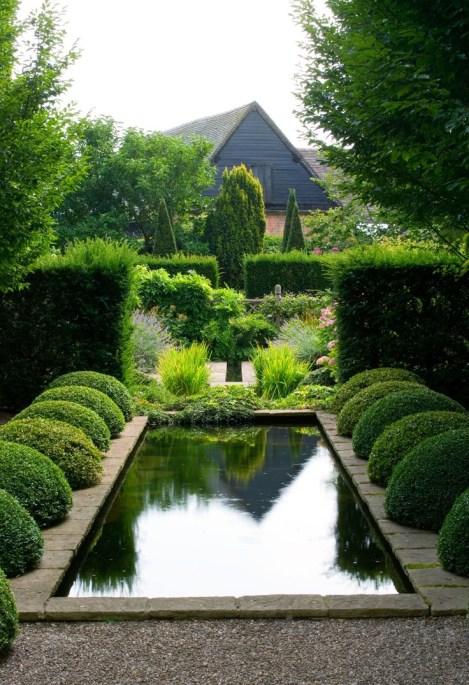 Wollerton Olfd Hall Garden