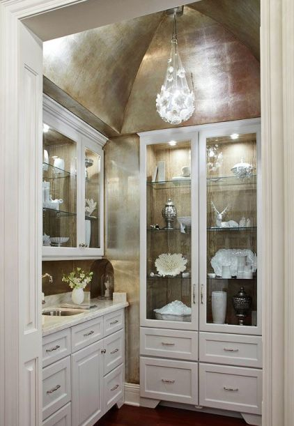 Traditional Home Butler's Pantry with China