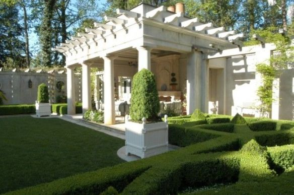 A classic and elegant landscape design by Howard Design Studio