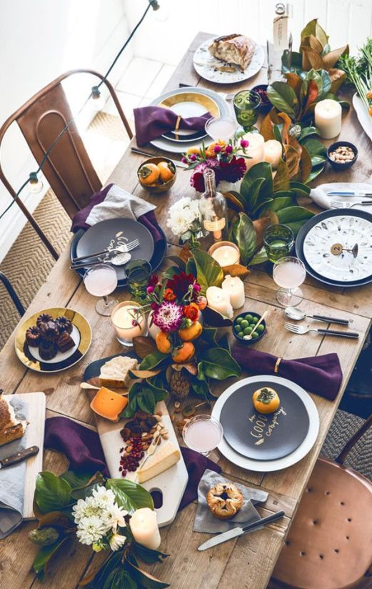 A more modern Thanksgiving tablescape via Curbly