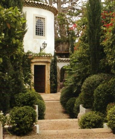 Shapiro's Malibu home via Splendid Sass Blog