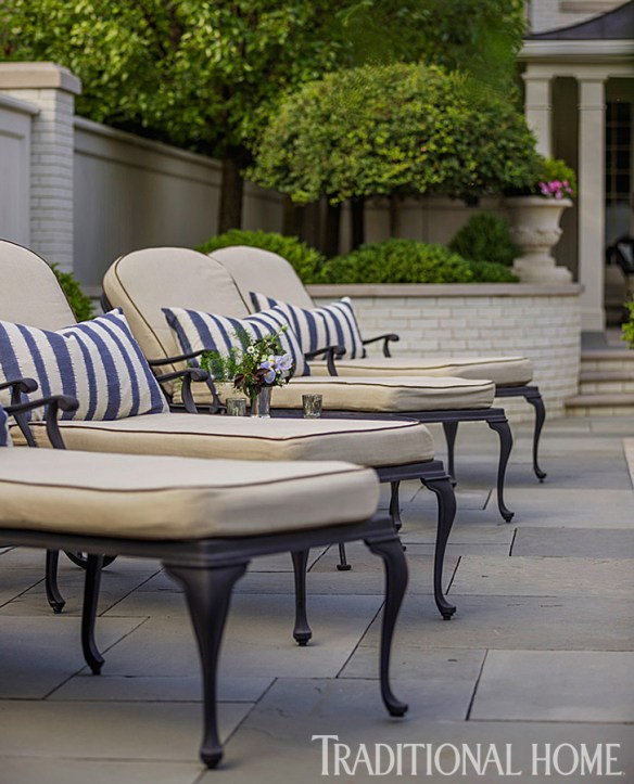 Douglas Hoerr designed garden via Traditional Home 4