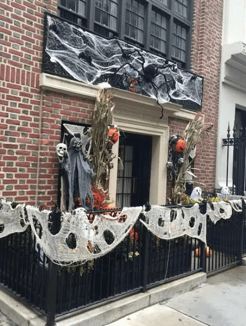 NYC townhouse Haloween decor via The Potted Boxwood
