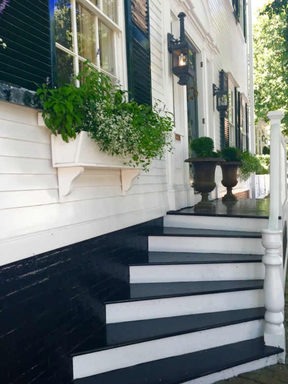 Nantucket Architecture _The Potted Boxwood 15