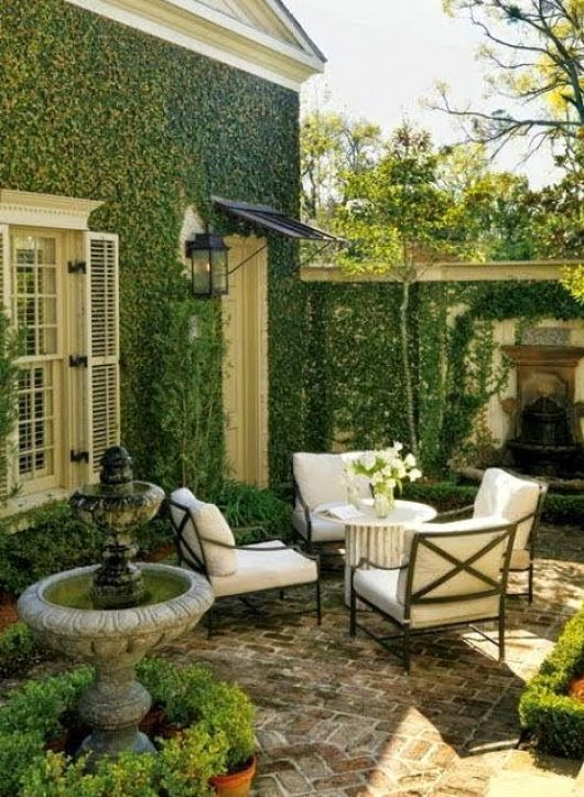 Ivy covered walls via Style At Home