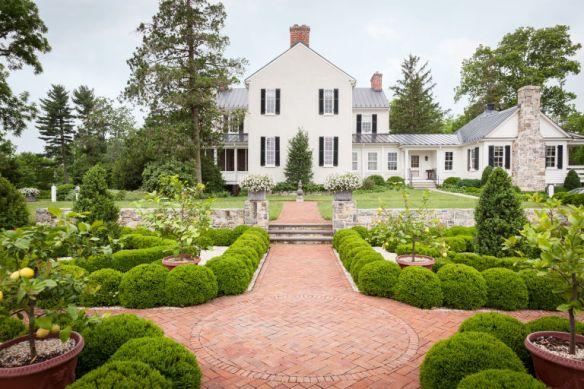 Elizabeth Locke Gardens via Veranda 4
