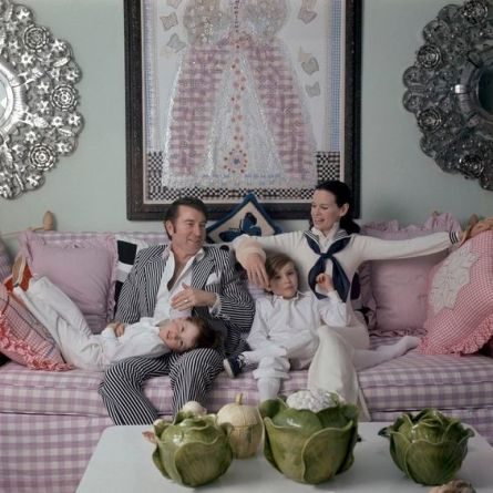 Gloria Vanderbilt Cooper relaxing with her family in her NYC apartment, she is wearing a sailor collar and tie by Adolfo *** Local Caption *** Gloria Vanderbilt;