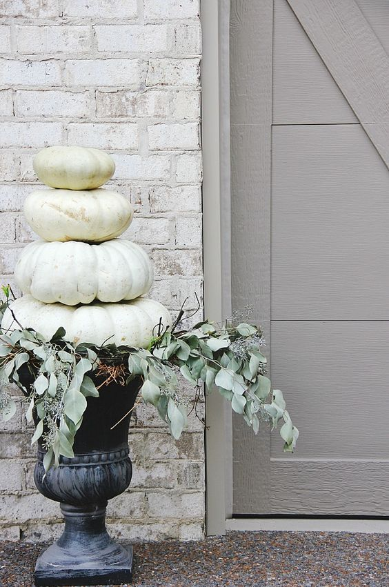 white-pumkins-via-pinterest