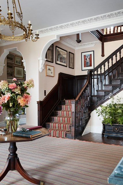 foyer-02-edward-bulmer-house-29nov17-Lucas-Allen_b_426x639