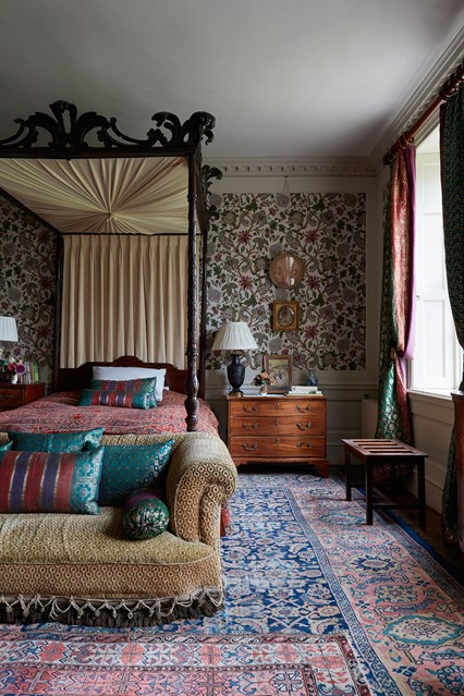 guest-bedroom-edward-bulmer-house-29nov17-Lucas-Allen_b_426x639