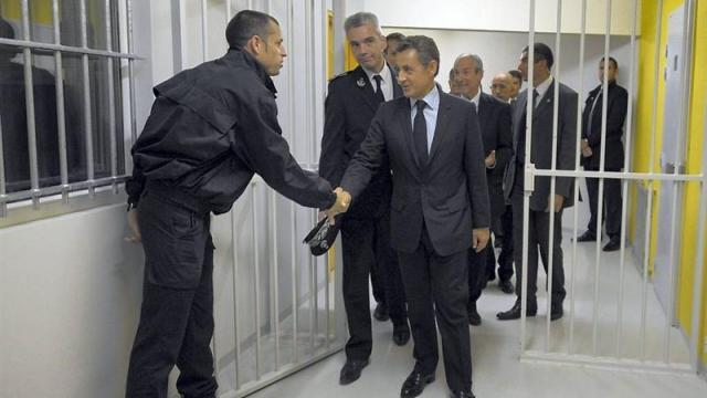 Sarkozy visite sa futur résidence - ThePrairie.fr !