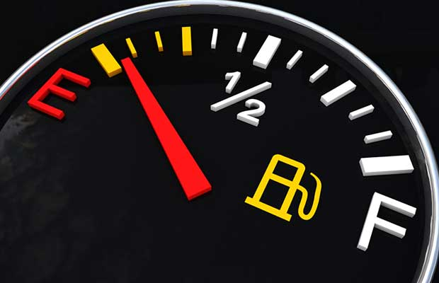 siphon fuel from car when you are on empty