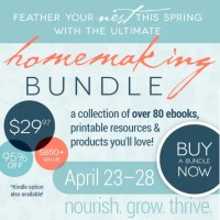 The 2014 Ultimate Homemaking eBook Bundle is LIVE! Plus a Chance to Win an iPad Mini, Flirty Apron and $25 Amazon Gift Card!