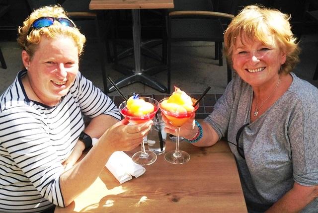 Cocktails at Milestones Calgary - zoe dawes