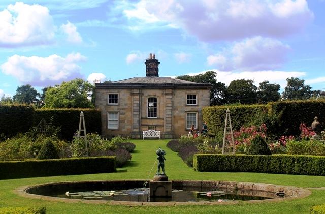 The Rose Garden - Castle Howard Yorkshire- photo zoedawes