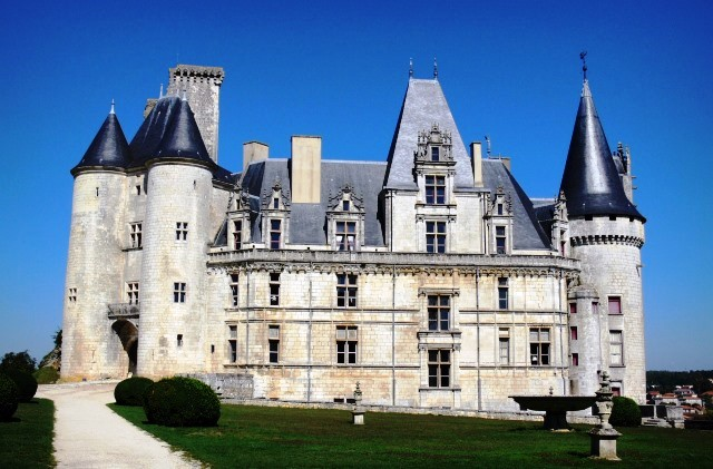 Chateau la Rochefoucauld - photo France-Voyage.com