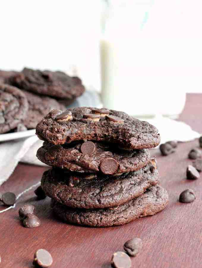 Easy 4 Ingredient Double Chocolate Cookies -- but you'd never know! Perfectly soft and chewy, with much less time and effort! www.thereciperebel.com
