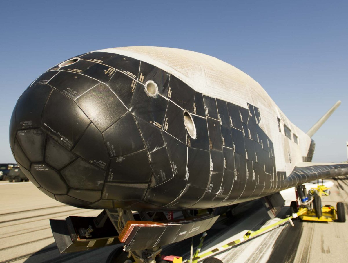 X-37B-returns-to-earth