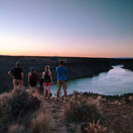 Hiking at Cove Palisades State Park in Central Oregon | theringers.co