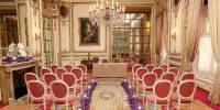 Marie-Antoinette-wedding-ceremony-set-up