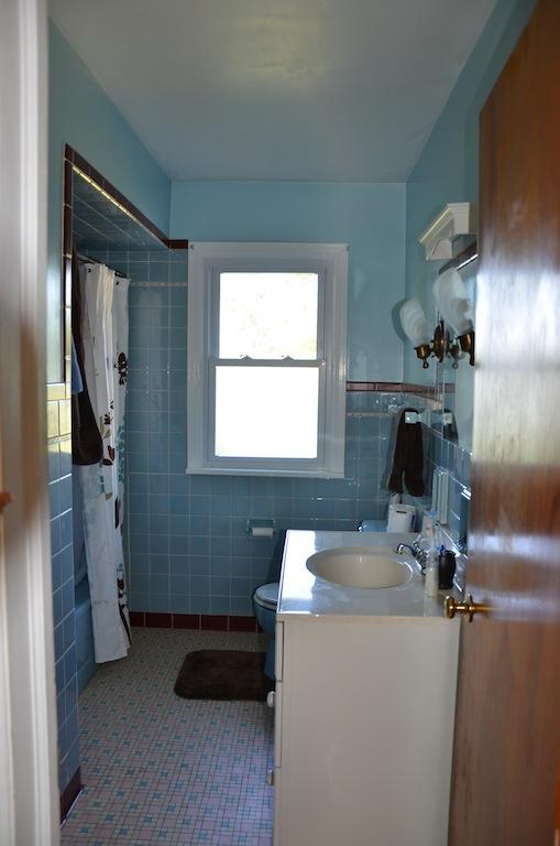 bathroom before rustoleum tub and tile paint kit