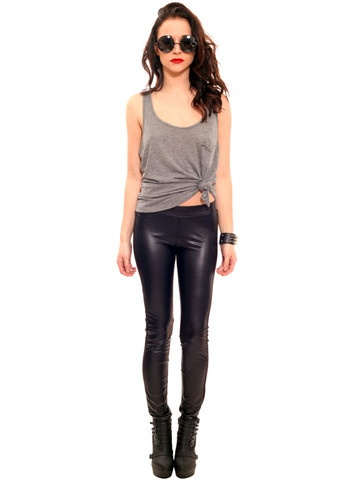Ways to Wear Black Liquid Leggings/Black Leather Leggings | thesassylife