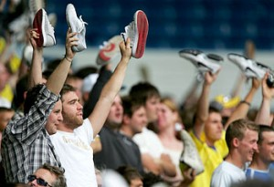 """Shoes off, if you hate ManU!"""