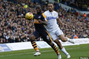 newcastle_uniteds_vurnon_anita_in_action_with_leeds_uniteds_kema_409834