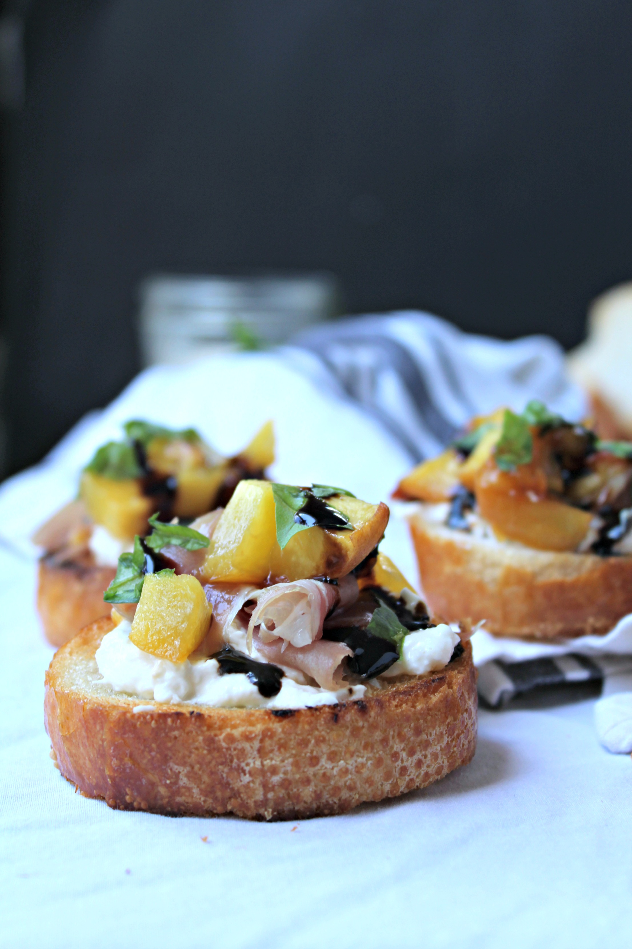 Roasted Peach Crostini with Burrata, Prosciutto, and Basil ...