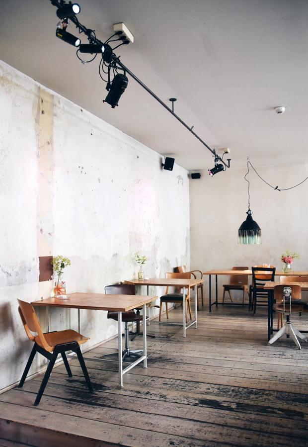 berlin restaurants caf s these four walls. Black Bedroom Furniture Sets. Home Design Ideas