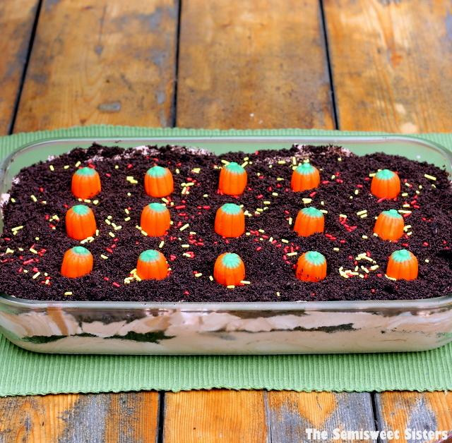 Dirt Cake Ideas For Halloween : Double Chocolate Oreo Halloween Dirt Cake Recipe