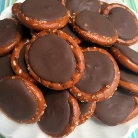 Chocolate Peanut Butter Pretzel Rounds