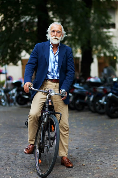 This guy is the legend of the smart casual and pairing colors together