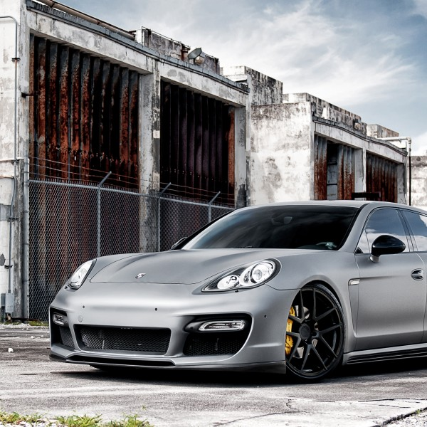 porsche_panamara_on_adv1_wheels-wide