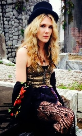 lily-rabe-2