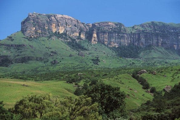 UNSPECIFIED - APRIL 06: The foothills of Northern Drakensberg, uKhahlamba / Drakensberg Park (UNESCO World Heritage List, 2000). (Photo by DeAgostini/Getty Images)