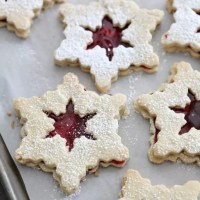 Christmas Cookie Week 2014: Raspberry Linzer Snowflake Cookies