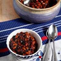 Sriracha Baked Beans