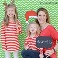 DIY Photobooth And Free Printable Christmas Props