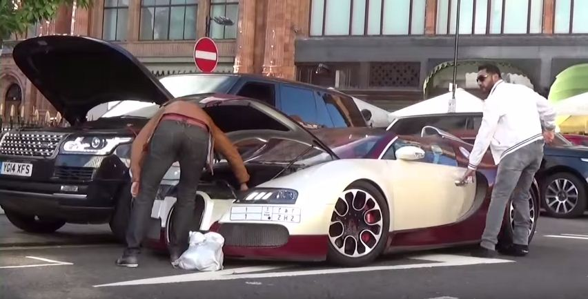 bugatti veyron breaks down in london video. Black Bedroom Furniture Sets. Home Design Ideas