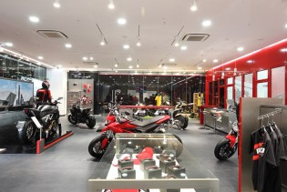 With the opening of the dealership in pune ducati india now has