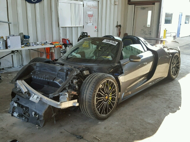 wrecked porsche 918 awaiting repairs for sale the supercar blog. Black Bedroom Furniture Sets. Home Design Ideas