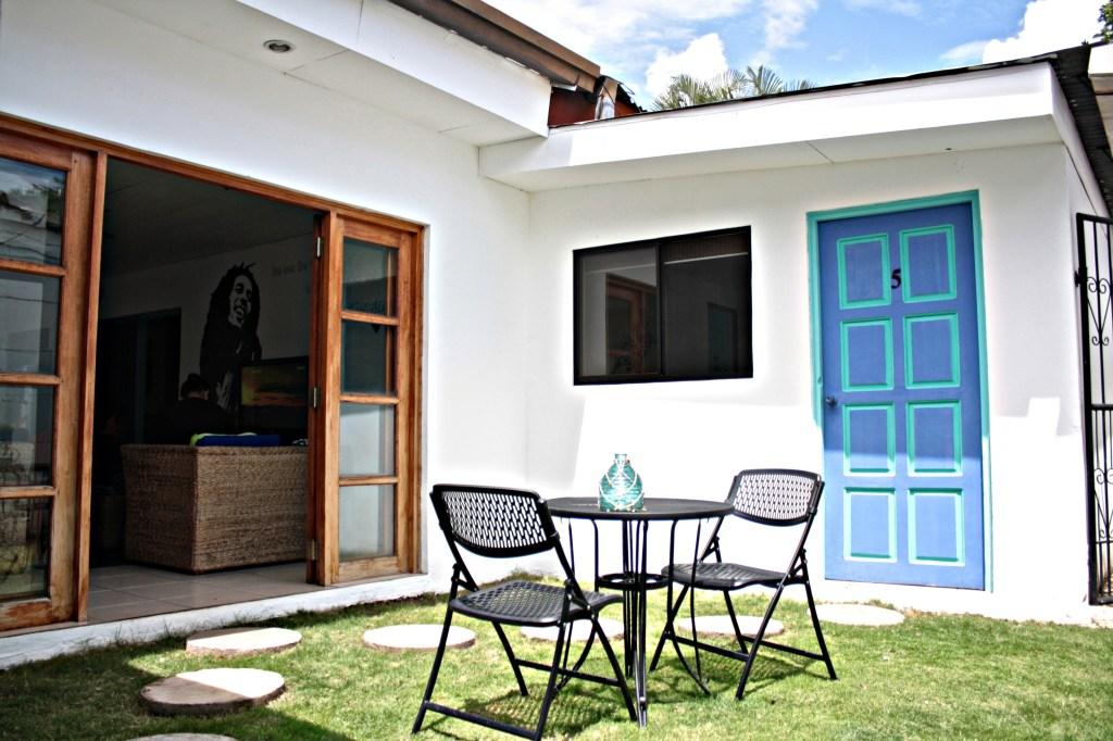 Hotel Maracuya Managua outdoor seating