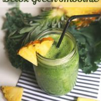 Meatless Monday: Pineapple Detox Green Smoothie