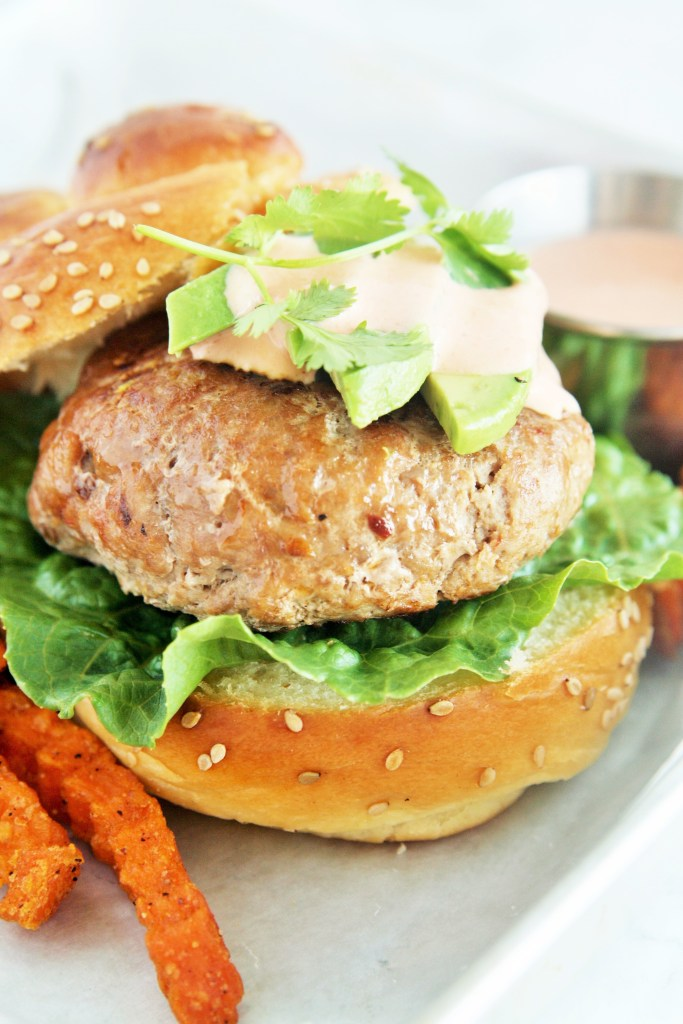 southwestern-turkey-burgers-chipotle-aioli-3