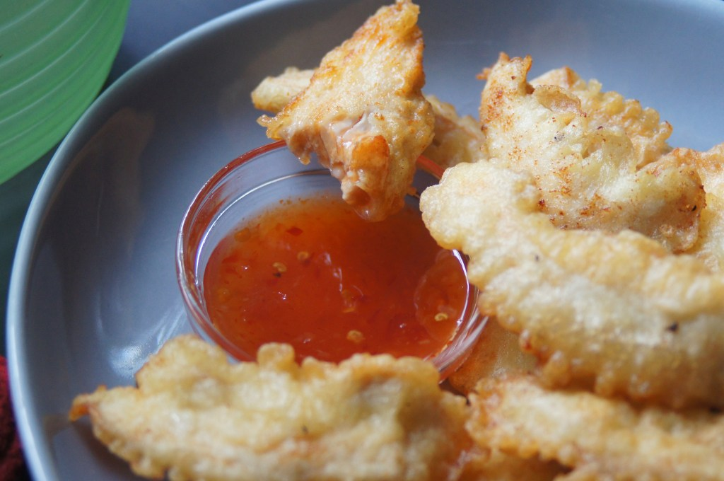 Take a bite with the Thai chili sauce and be amazed...
